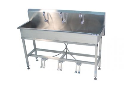 VersaKleen stainless steel floor mounted 3 station sink